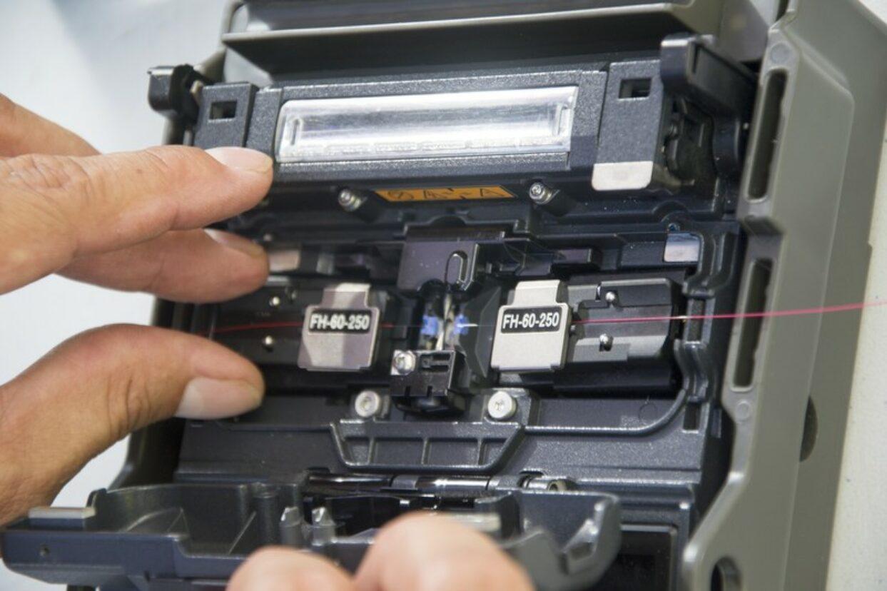Déploiement de la fibre optique : un chantier d'envergure mené par l'OPT