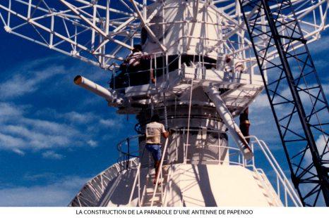 La-construction-de-la-parabole-dune-antenne-de-Papenoo.jpg
