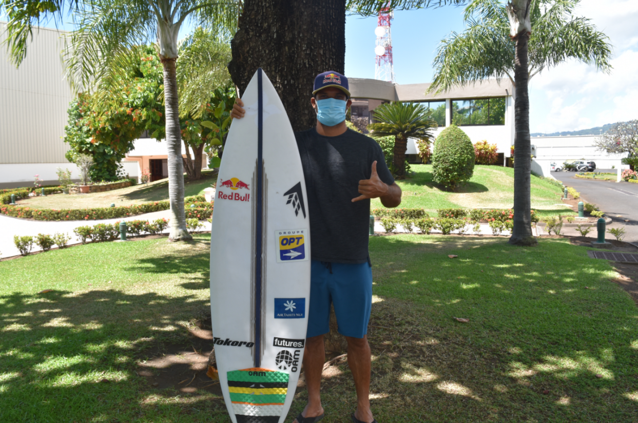 Michel Bourez, surfeur professionnel polynésien